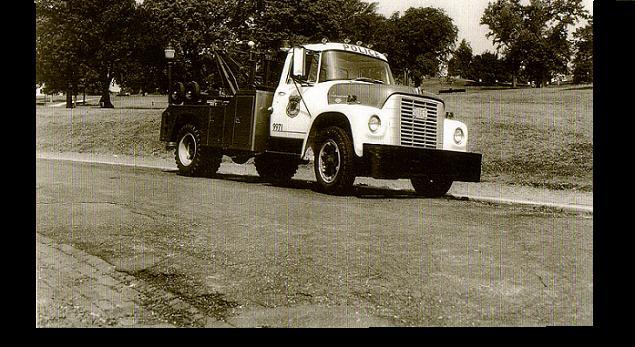 68-international-tow-truck