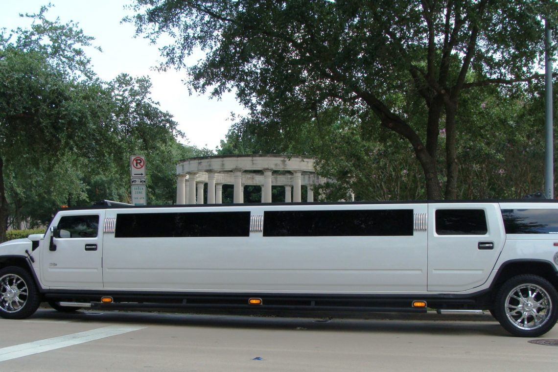 Hummer-Limo-Service